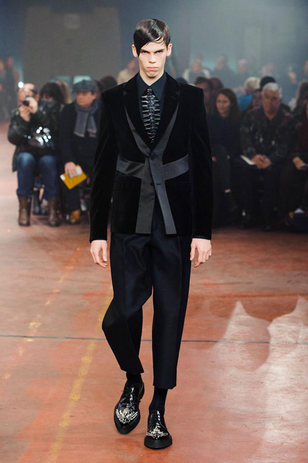Alexander McQueen Menswear Autumn/Winter 2015 Collection