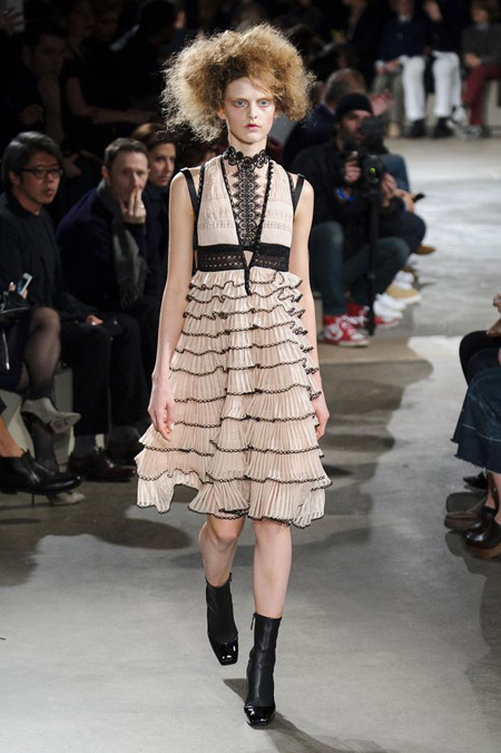 Alexander McQueen Autumn/Winter 2015 women's collection