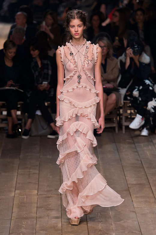Alexander McQueen Spring/Summer 2016 Womenswear collection