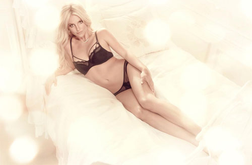 Britney Spears revealed Spring/Summer 2015 lingerie collection