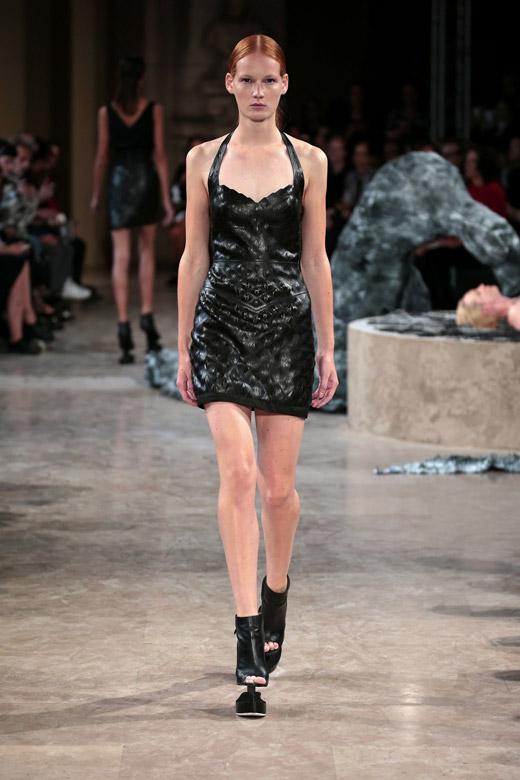 'Quaquaversal' - Iris van Herpen Spring-Summer 2016 womenswear collection
