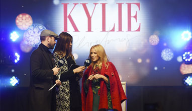 Global Superstar Kylie lights up Oxford Street at Pandora Switch on with capital