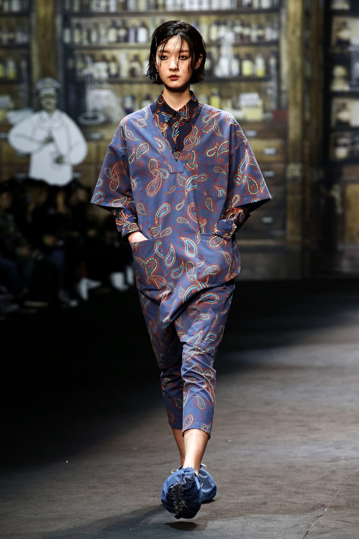 Steve J & Yoni P Fall-Winter 2015 collection at Seoul Fashion Week