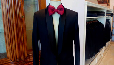 How to save money, when buying a men's suit?