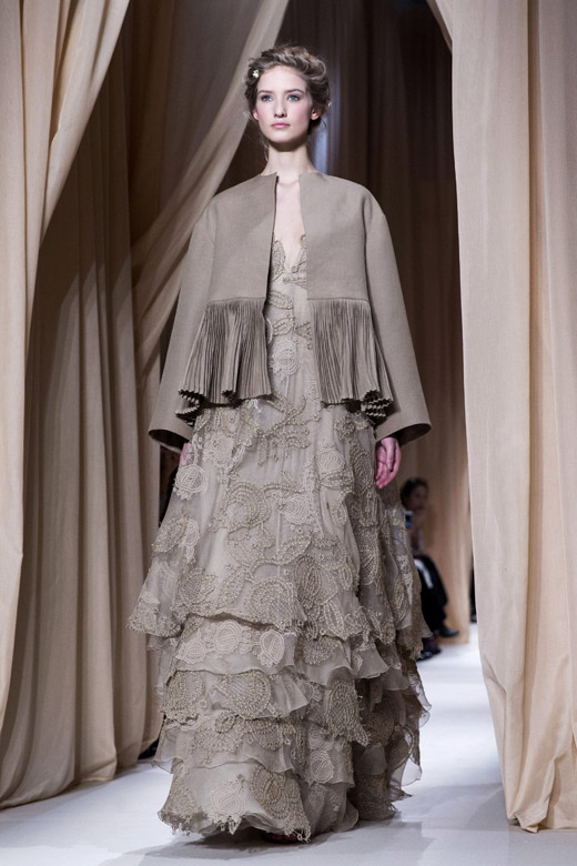 Valentino spring summer 2015 haute couture collection at for Haute couture definition