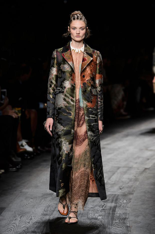 Womenswear: Valentino Spring/Summer 2016 collection