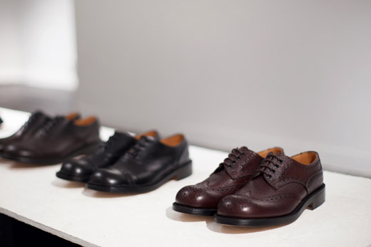 Leather shoes with Japanese stroke