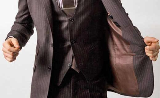 Why you should choose the tailor-made suits over the ready ones