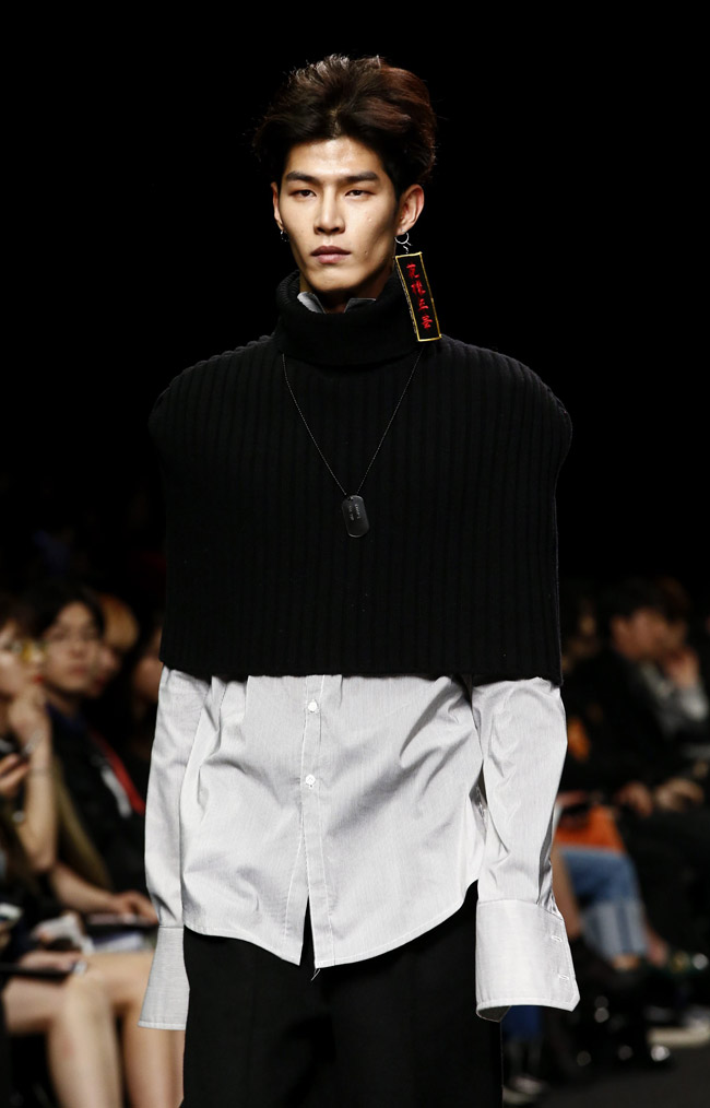 Seoul Fashion Week - Unisex for Fall-Winter 2016/2017 by Charm's Collection