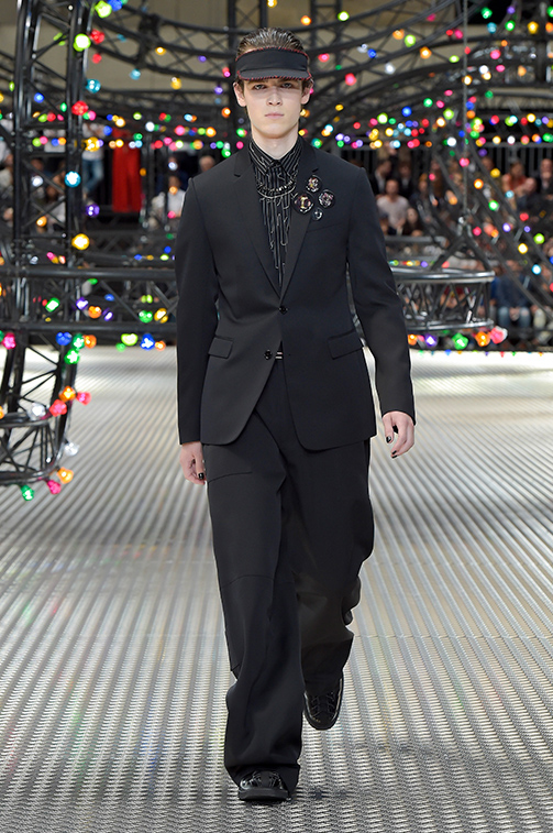 Paris Fashion Week: Dior Homme Spring-Summer 2017 collection