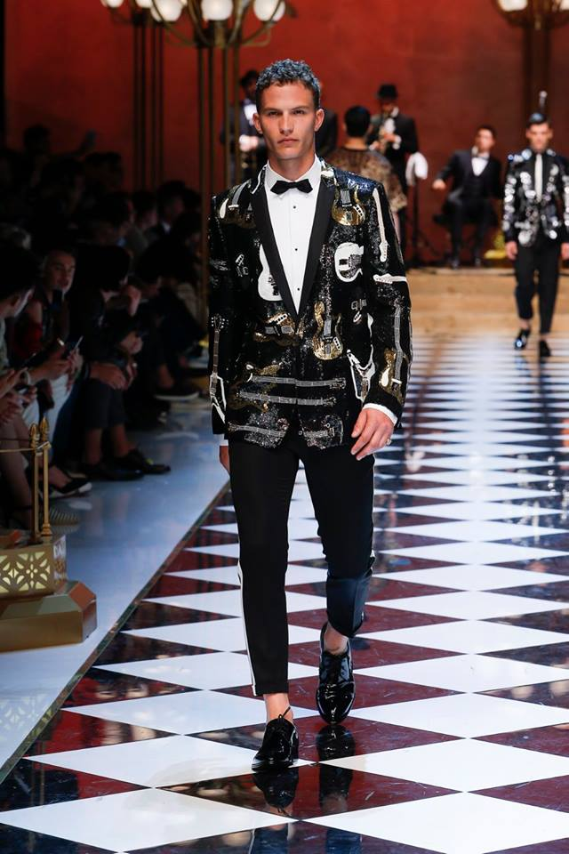 0b2e7a88008 Dolce & Gabbana Spring-Summer 2017 Men's Fashion Show