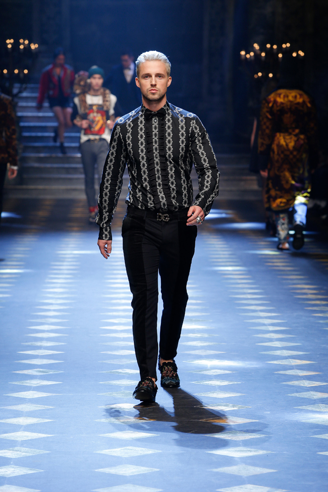 6ba70dc3bcf9 Dolce and Gabbana Autumn Winter 2017-2018 collection