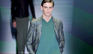 Milano Moda Uomo: Emporio Armani Spring-Summer 2017 men's collection