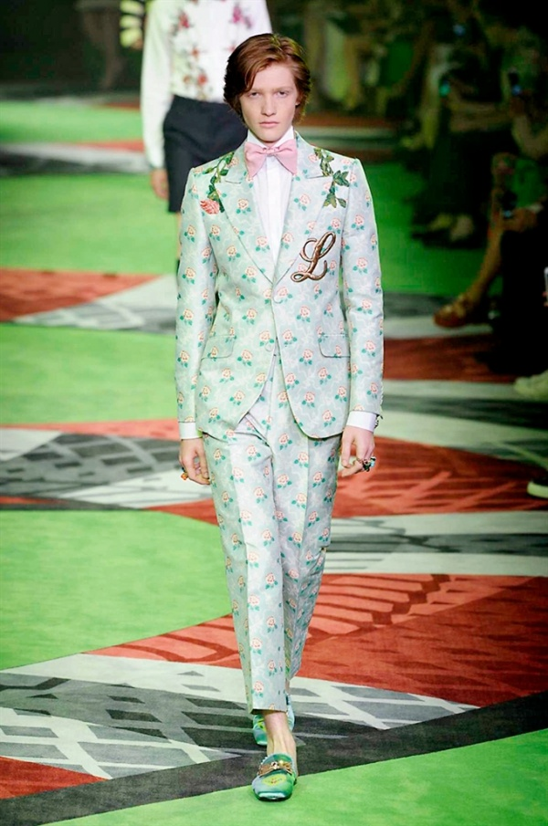 c020aa6859f27 Milano Moda Uomo  Gucci Spring-Summer 2017 men s collection