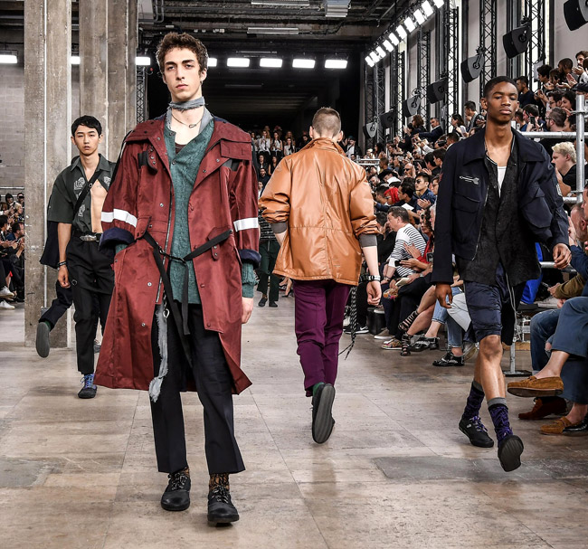 Lucas Ossendrijver celebrates ten years at Lanvin with Spring-Summer 2017 men's collection