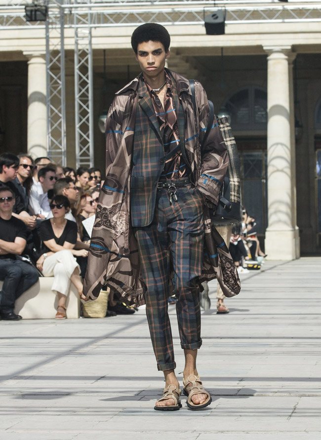 Paris Fashion Week: Louis Vuitton Spring-Summer 2017 collection
