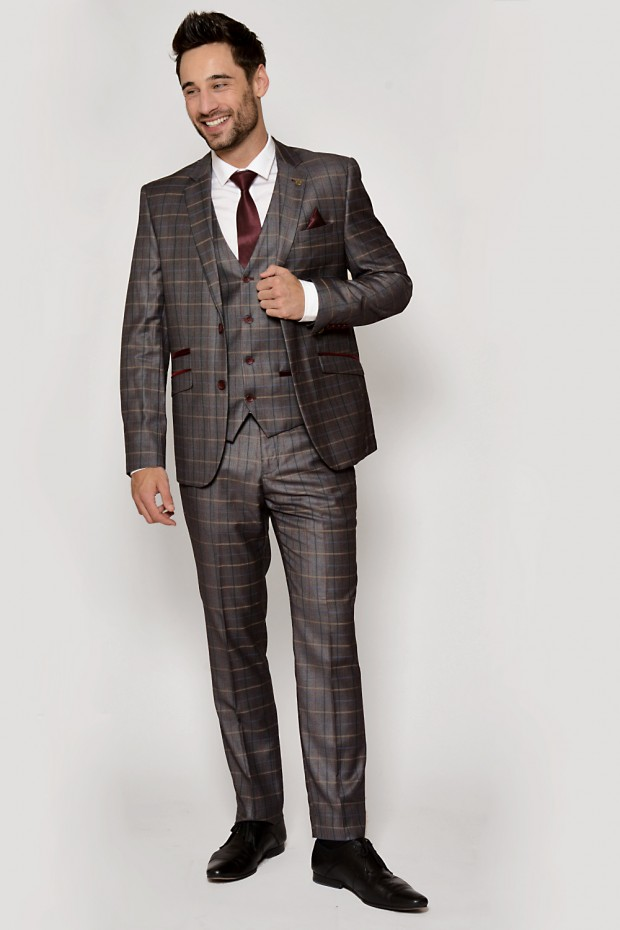 Finest quality mens suits by Marc Darcy London
