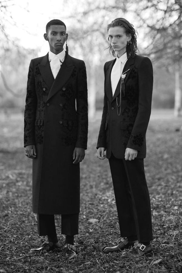 Alexander McQueen Fall/Winter 2017-2018 collection