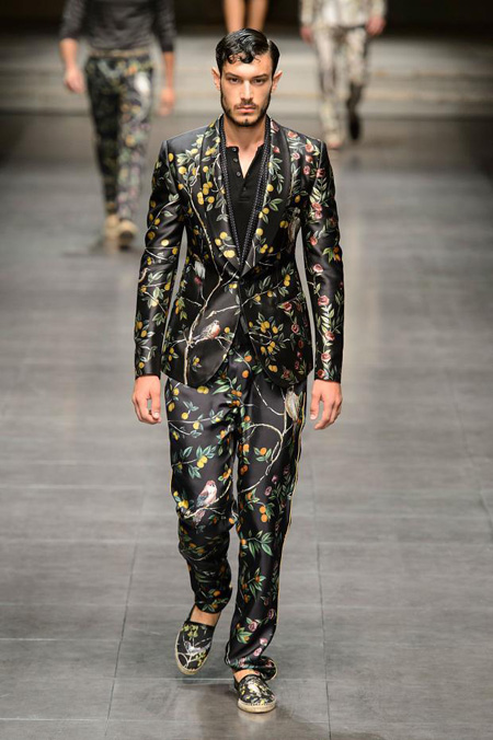 Men's suits 2016 fashion trends: Floral motifs