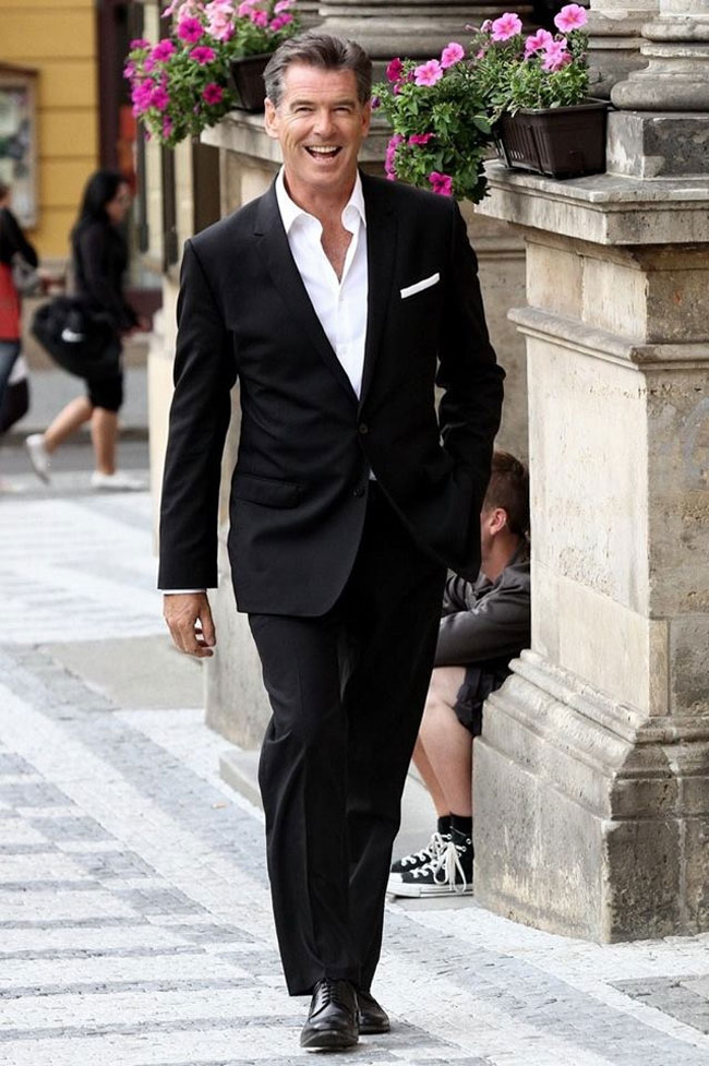 What to Wear with a Grey Blazer  The Idle Man