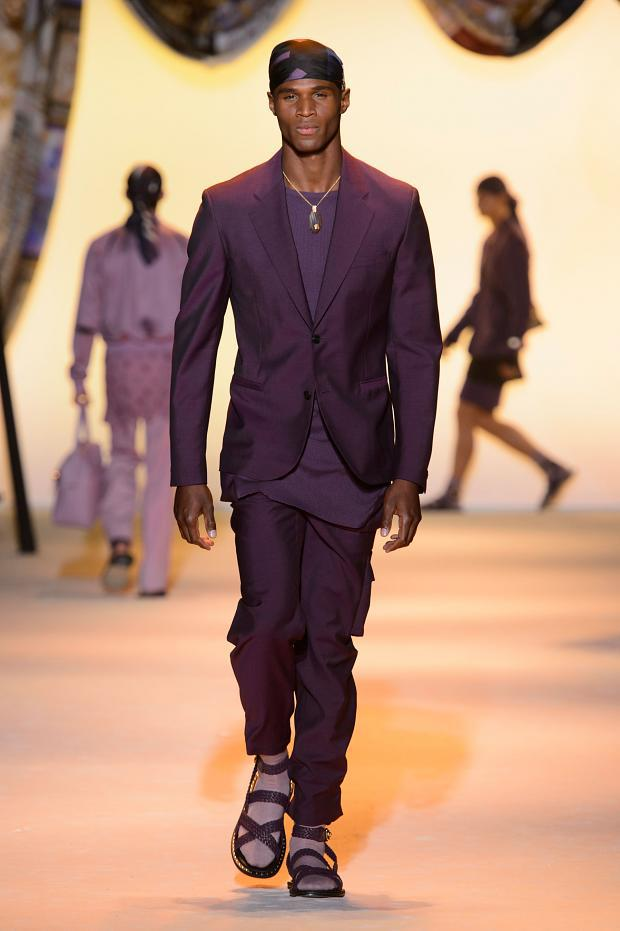 Men's suits 2016 fashion trends: Colorful suits