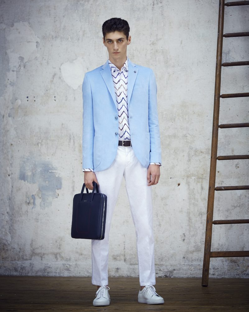 Ungaro Men Spring- Summer 2017 collection offers a variety of stylish men's suits