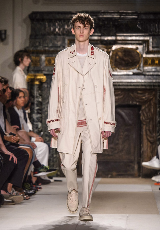 Paris Fashion Week: Valentino Spring-Summer 2017 men's