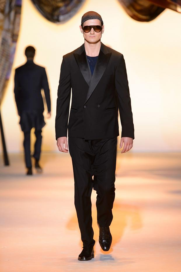 Versace Spring-Summer 2016 menswear collection
