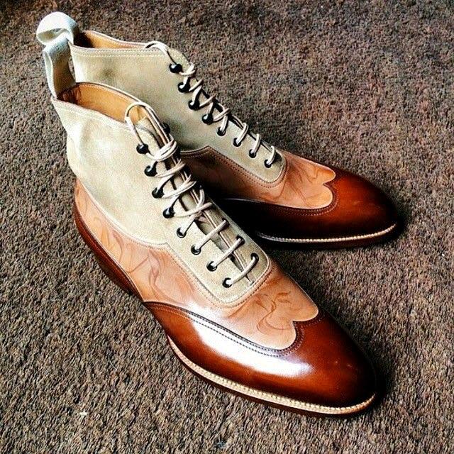 Дуетът на мъжкия костюм и обувките