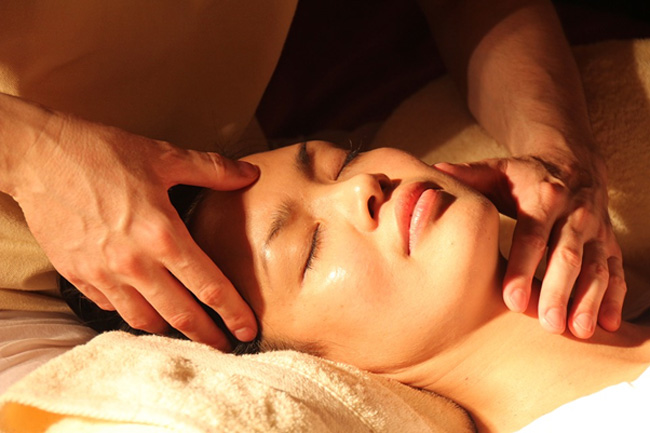 5 Reasons Why You Need To Book Yourself A Facial ASAP