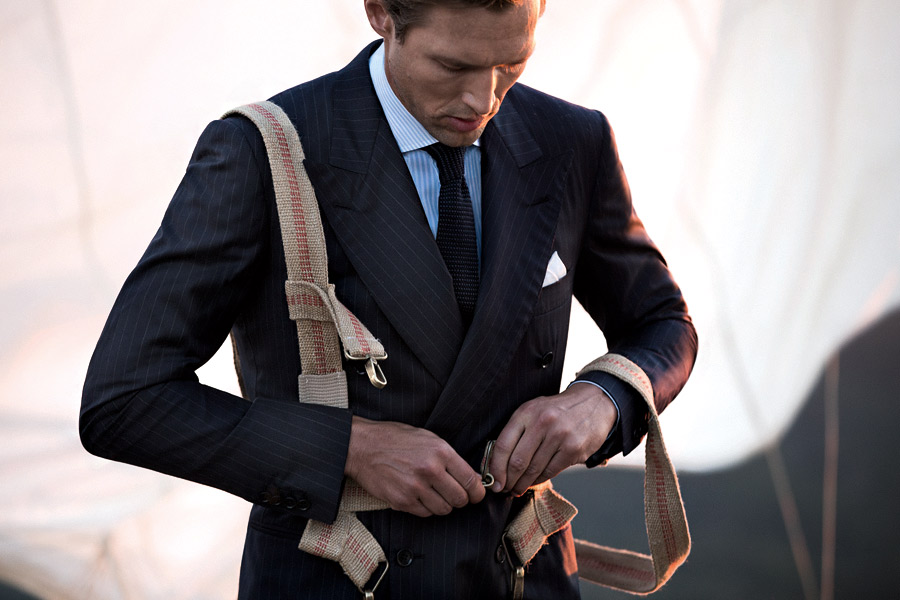The iconic Loro Piana Tasmanian® men's fabric unprecedentedly takes flight