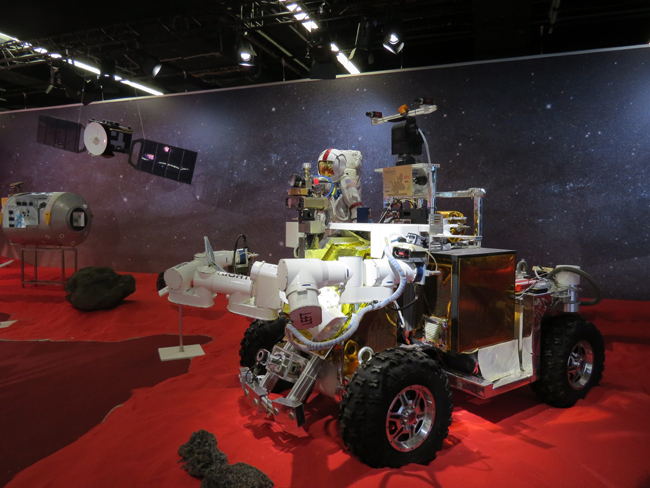 Techtextil and Texprocess present 'Living in Space' in cooperation with ESA and DLR