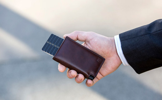 Ekster® Launched the First Voice-activated Smart Wallet