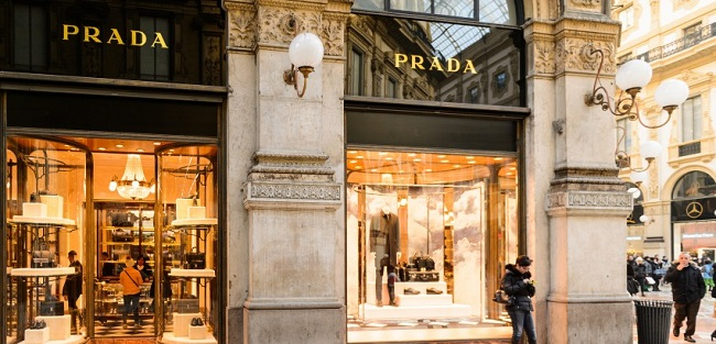 The digital revolution of fashion and luxury brands is in Milan
