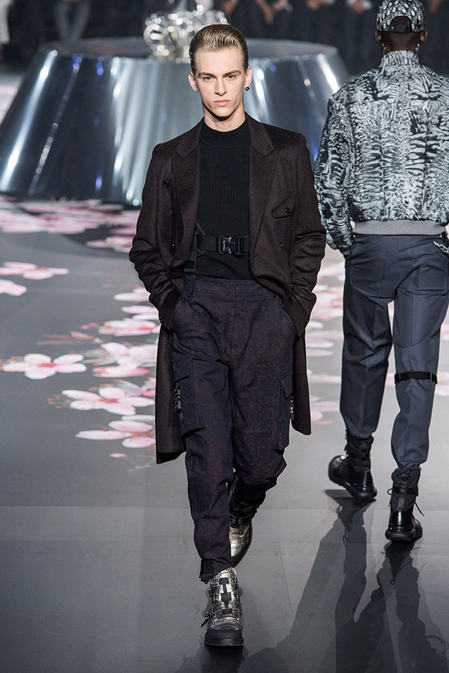 Dior Homme Pre-Fall 2019 - futurism as the main theme