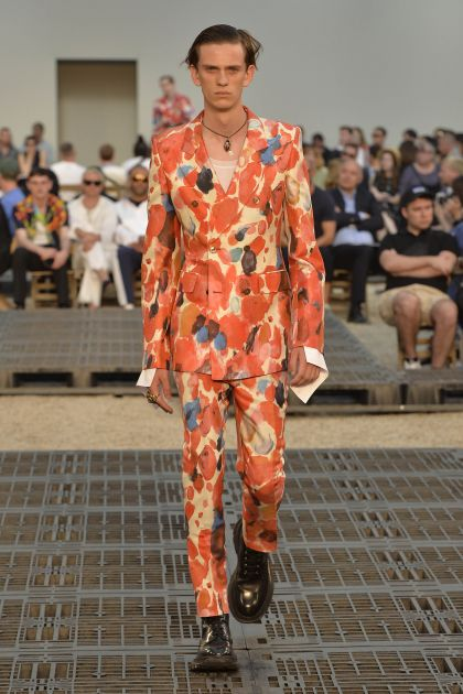 Alexander McQueen Spring/Summer 2019 collection