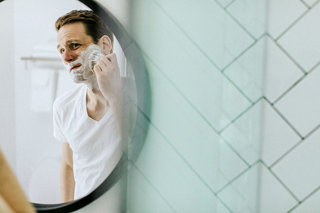 Manual vs Electric: Which Razor Gives the Best Shave?
