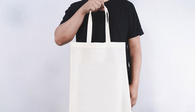 Should Men Carry Bags? Totes!
