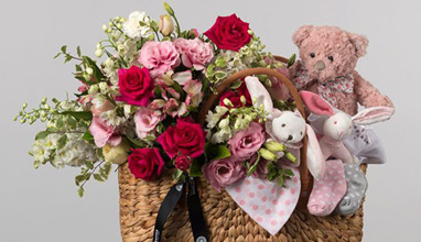 What Makes Flowers the Perfect Gift for Newborns & Their Parents
