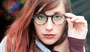 4 Tips to Help You Match Your Glasses with Your Outfit