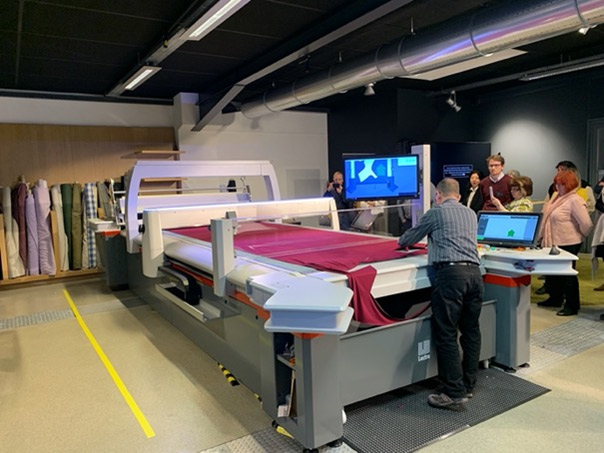Fashion On Demand for made-to-measure and customization