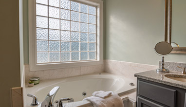 How to Create a Luxury Hotel Bathroom at Home