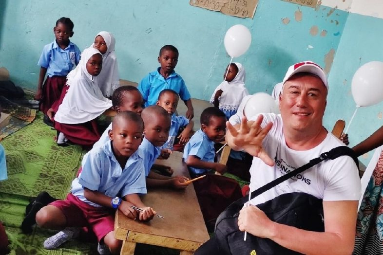 Give a smile to the children from Zanzibar
