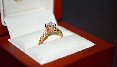 4 Cool Ways to Buy Your Fiancé's Dream Engagement Ring Online Today!